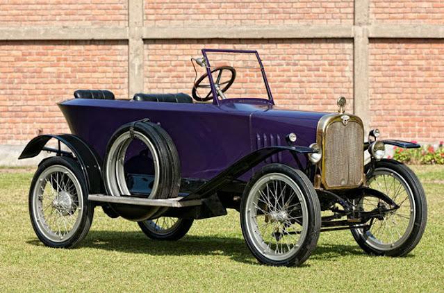 carro antigo azul
