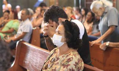 Bolsonaro vai vetar uso obrigatório de máscara em comércios, igrejas e escolas