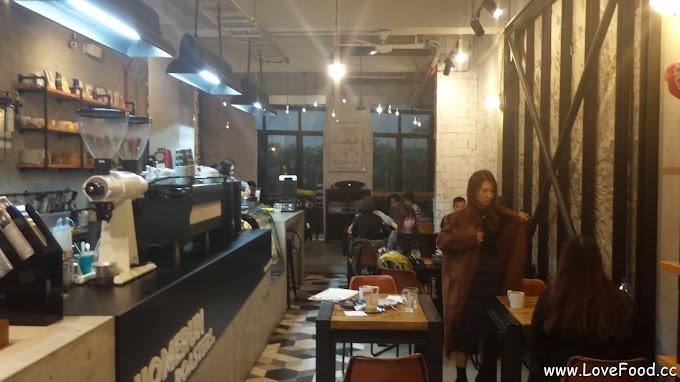 基隆仁愛-HOMERUN ROASTERS-網紅江小辣的咖啡廳