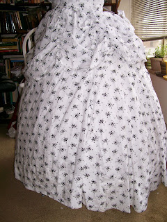 Gored en tablier skirt.