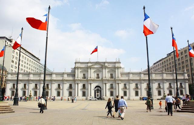 Conhecer o Palácio de La Moneda em Santiago no mês de abril