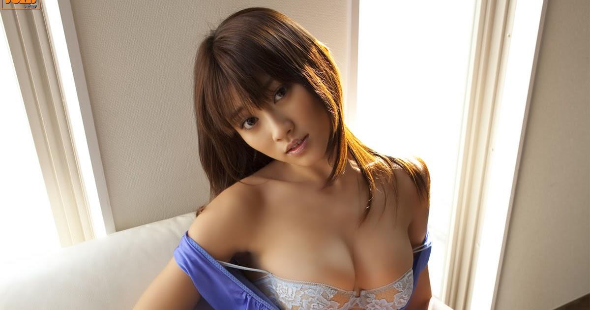 Chihiro hara gives a good handjob 3