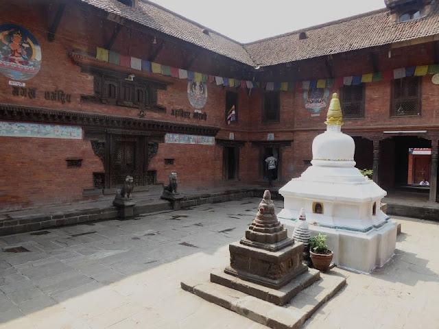 cortile di un palazzo di Bhaktapur