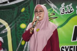 Hadiri Undangan Warga, Hj Selly Diharapkan Jadi Walikota Mataram