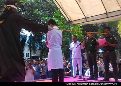 Hukuman Cambuk di Aceh