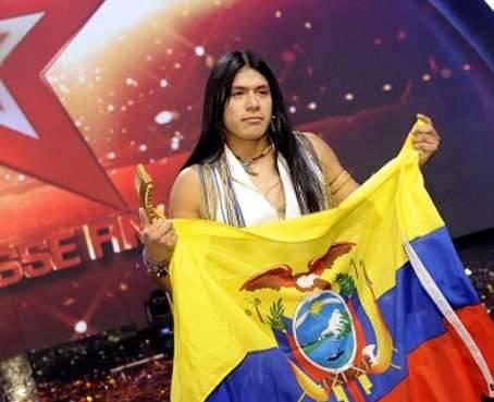 cantante indigena Leo Rojas