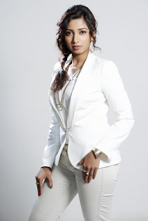 Shreya Ghoshal Indian Singer In White Dress Hot And Sexy Photos