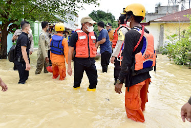 Tinjau Banjir Tebing Tinggi, Edy Rahmayadi Minta Lakukan Penanganan Cepat