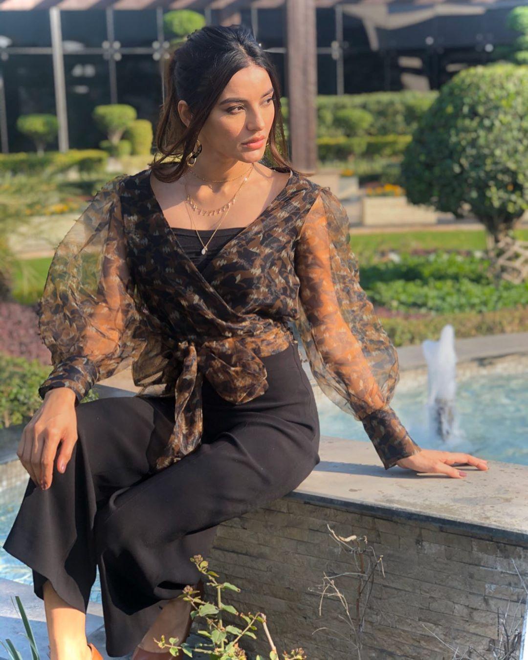 Download Sadia Khan Pics