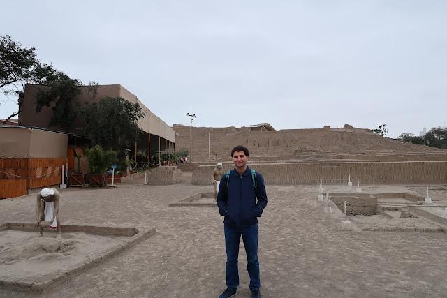Restaurante y ruinas de Huaca Pucllana en Lima