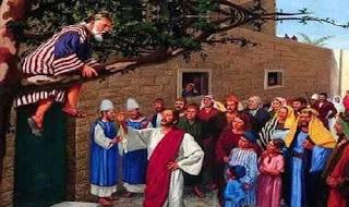 A passagem sobre Zaqueu é tema de músicas, é bem conhecida, por todos, e hoje quero compartilhar algo, que não vi algo que  o Senhor trouxe ao meu coração. Algo que pode também mudar a sua vida como mudou a vida de Zaqueu e de toda a sua família, e pode também mudar a a sua família, uma única atitude, e é sobre ela que eu quero falar hoje.  E, tendo Jesus entrado em Jericó, ia passando. E eis que havia ali um homem chamado Zaqueu; e era este um chefe dos publicanos, e era rico.  E procurava ver quem era Jesus, e não podia, por causa da multidão, pois era de pequena estatura. E, correndo adiante, subiu a uma figueira brava para o ver; porque havia de passar por ali. E quando Jesus chegou àquele lugar, olhando para cima, viu-o e disse-lhe: Zaqueu, desce depressa, porque hoje me convém pousar em tua casa.  E, apressando-se, desceu, e recebeu-o alegremente. E, vendo todos isto, murmuravam, dizendo que entrara para ser hóspede de um homem pecador. E, levantando-se Zaqueu, disse ao Senhor: Senhor, eis que eu dou aos pobres metade dos meus bens; e, se nalguma coisa tenho defraudado alguém, o restituo quadruplicado.  E disse-lhe Jesus: Hoje veio a salvação a esta casa, pois também este é filho de Abraão. Porque o Filho do homem veio buscar e salvar o que se havia perdido.                                                                                                                        Lucas 19:1-10  A palavra diz que Jesu vinha entrando em Jericó, e alí naquela cidade havia um homem, chamado Zaqueu que era chefe dos publicanos, pesquisando sobe o que é ser chefe dos publicanos encontrei o seguinte: Um publicano é um cobrador de impostos.  Zaqueu tinha um alto posto dado pelos Romanos, ele cobra impostos, e diz mais: Zaqueu era rico, não tinha preocupações com bens materiais pois o mesmo como diz a bília era rico.  Ele procurava ver quem era jesus, e não conseguia por causa da multidão, ele como todo naquela época mesmo que só por curiosidade mesmo queria ver quem era es
