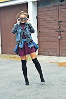 http://www.karyn.pl/2016/10/jeans-skora-i-bordowa-sukienka.html