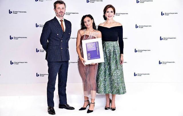 Crown Princess Mary wore a green skirt from H&M conscious exclusive collection. Gianvito Rossi