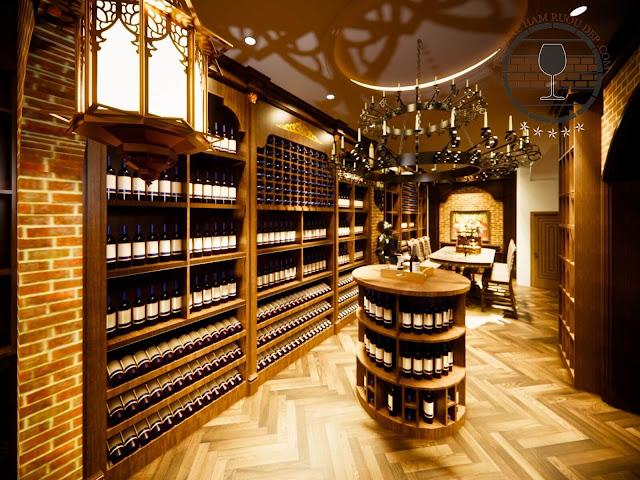Tới lâu đài rượu vang RD là cơ hội để du khách có thể tìm hiểu về lịch sử tạo thành của những loại rượu tinh túy, được chứng kiến những quy trình sản xuất rượu vang theo dây chuyền khép kín, được tận mắt ngắm nhìn cách chế biến rượu và đóng chai thành phẩm. Tất cả những loại rượu vang có mặt trong Lâu đài vang RD, đều thuộc về dòng rượu vang hảo hạng RD - Napa Valley, được chưng cất, chế biến từ thung lũng Napa, bang California (Hoa Kỳ).