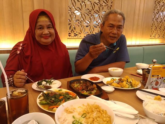 Makan siang di Ta Wan CCM