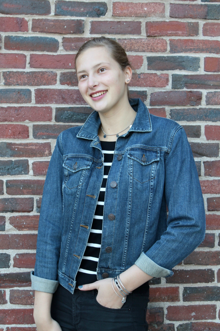 jean jacket, striped boatneck shirt and black skinny jeans for a cute fall look
