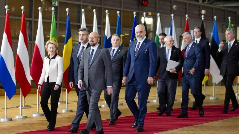 Εν μέσω πανδημίας, οι ΥΠΕΞ της ΕΕ ενέκριναν την έναρξη ενταξιακών διαπραγματεύσεων με Σκόπια και Αλβανία