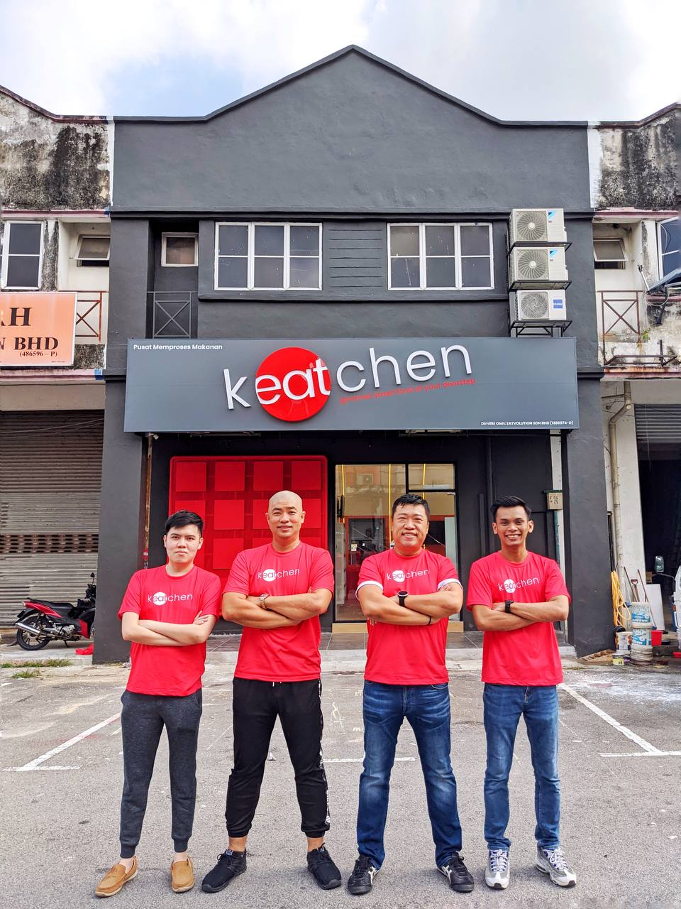 KEATCHEN MALAYSIA - Hak Milik Ina Ainaa