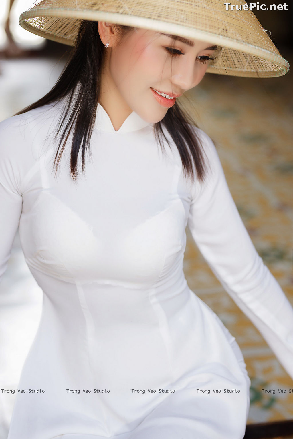 Image The Beauty of Vietnamese Girls with Traditional Dress (Ao Dai) #4 - TruePic.net - Picture-5