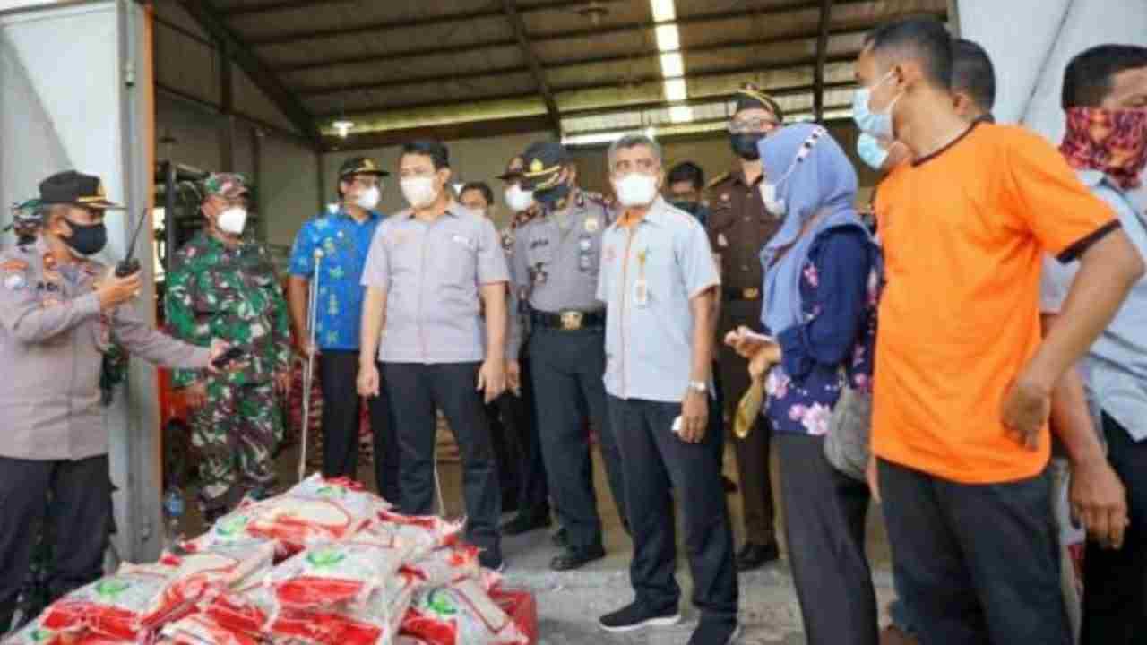 Bupati Deli Serdang Hadiri Launching Program Bantuan Beras - PPKM Di Tanjung Morawa