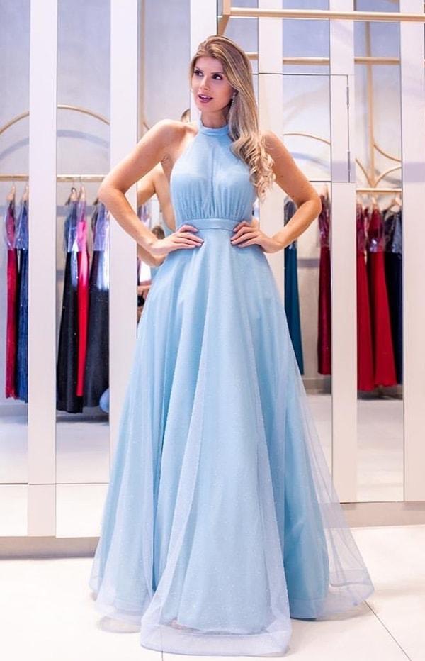 Vestido longo azul serenity modelo frente única