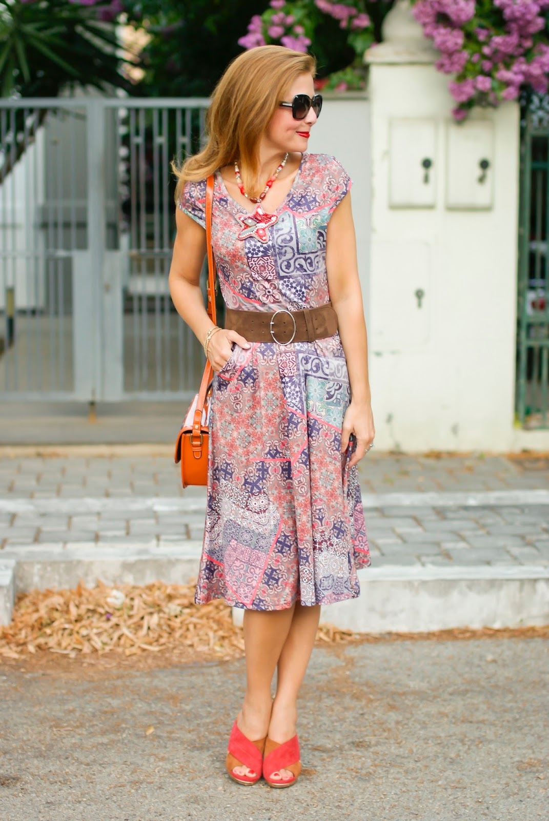 Hippie chic style with Smash! Compta dress and Loriblu suede crossed mules on Fashion and Cookies fashion blog, fashion blogger style