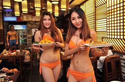 Kumpulan Foto Dan Gambar Cantik Pelayan Restoran Cepat Saji