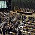 "Deputados derrubam veto de Bolsonaro sobre lei de ""fake news"""