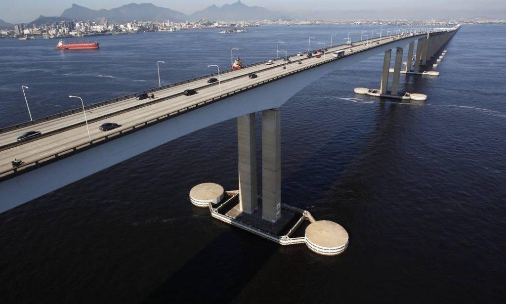 A Ponte Rio-Niterói (RJ)