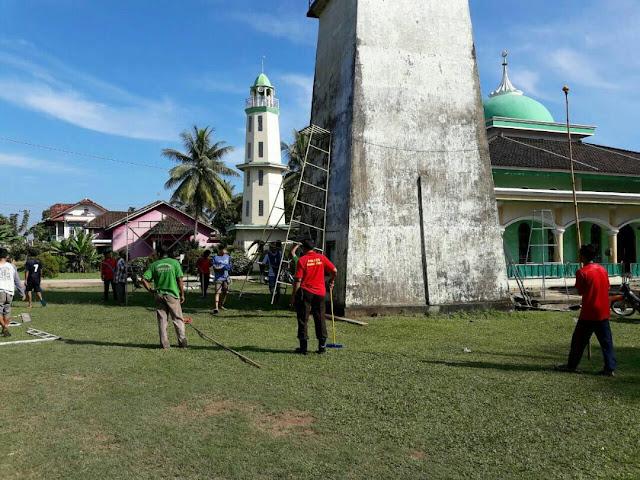 Kapolsek Tanah Abang Turut Kerja Bhakti Sosial Dibulan Suci Ramadhan