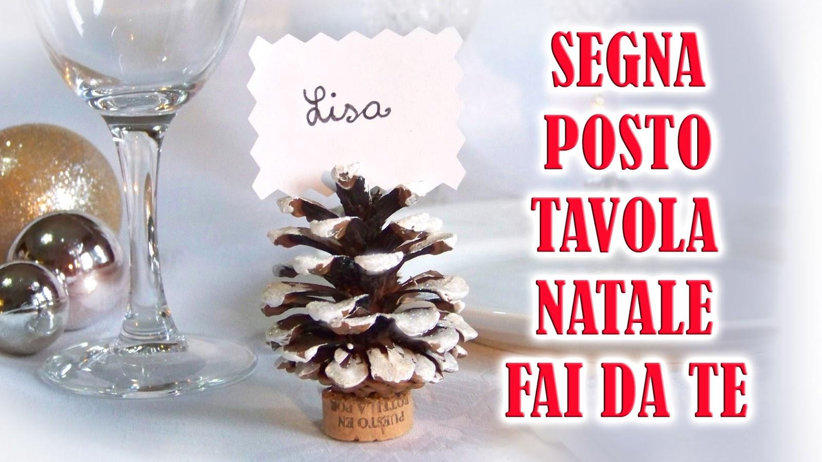 Decorare Tavola Natale Fai Da Te : Segnaposto natale decorazione con riciclo di tappi e pigne