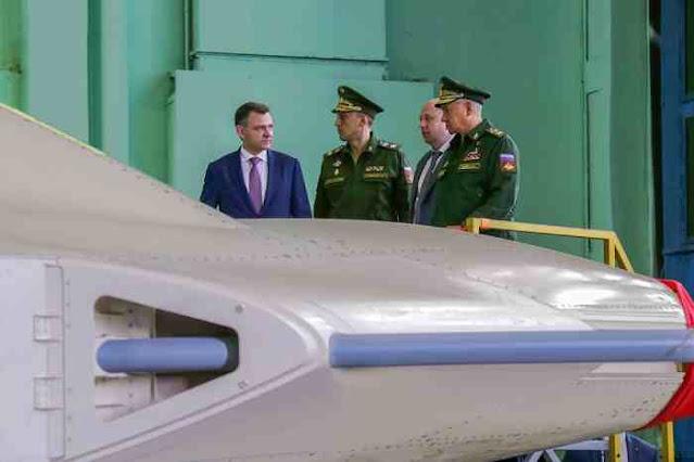 Rusia Perlihatkan Jalur Produksi Drone Tempur Stealth S-70 Okhotnik