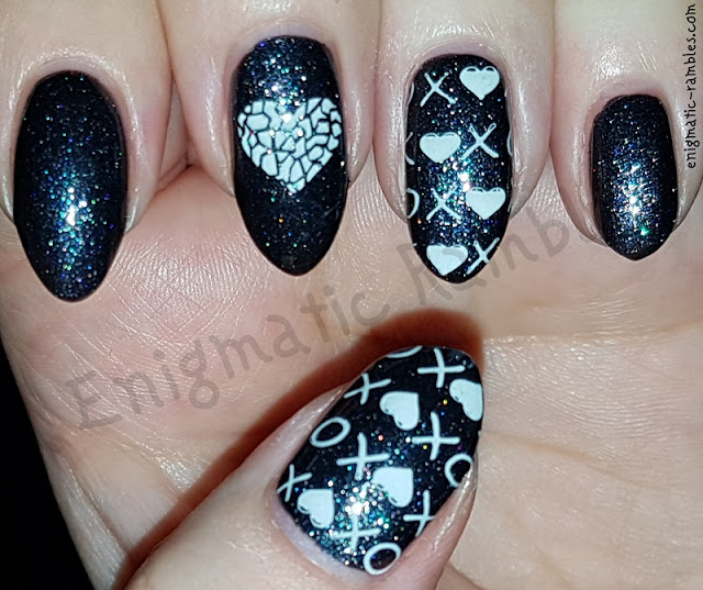 Black-Valentines-Day-Nails