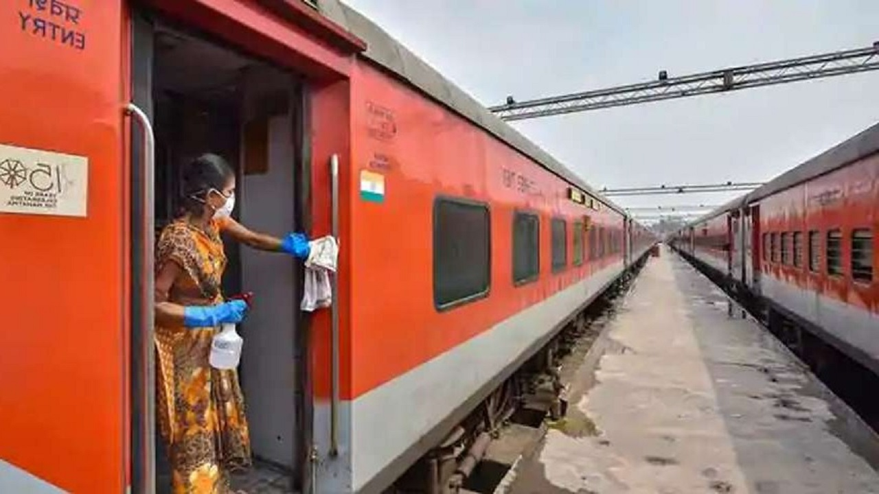 30 special trains will run on the occasion of Holi