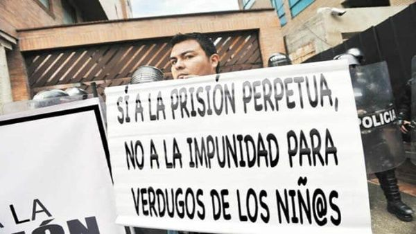 Aprueban en Colombia cadena perpetua a violadores de niños