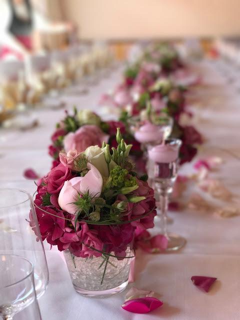 Center piece, Shades of pink, weddings abroard, mountain wedding at the lake, wedding, Bavaria, Germany, Garmisch, Riessersee Hotel, getting married in Bavaria, wedding planner Uschi Glas