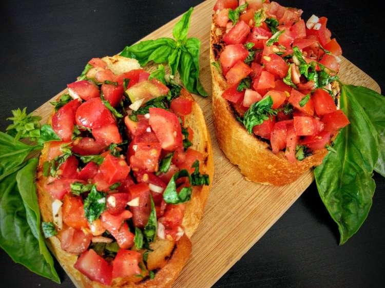 Tomato & Basil Bruschetta Recipe #tomato #vegetarian #vegan #basil #food