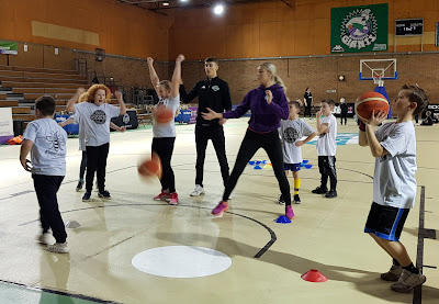 Manchester Giants Basketball kids training session scoring baskets
