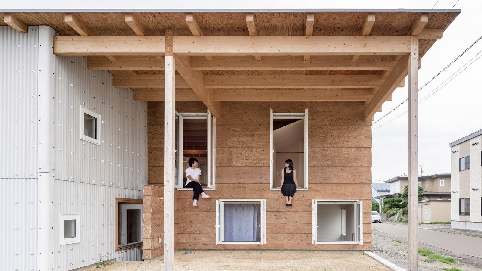 Casa in hokkaido pensata per contrastare la neve durante l for Piccoli piani casa del sud del cottage