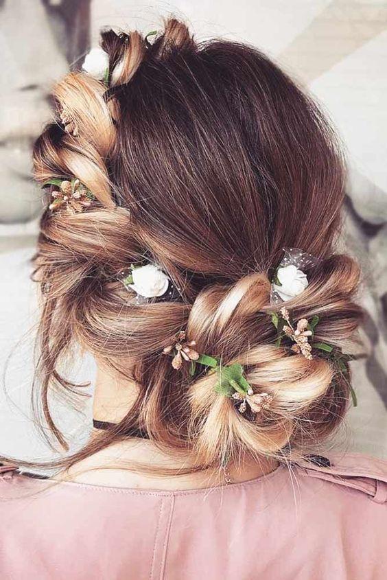 33 CLASSY TO CUTE HAIRDOS FOR LONG HAIR