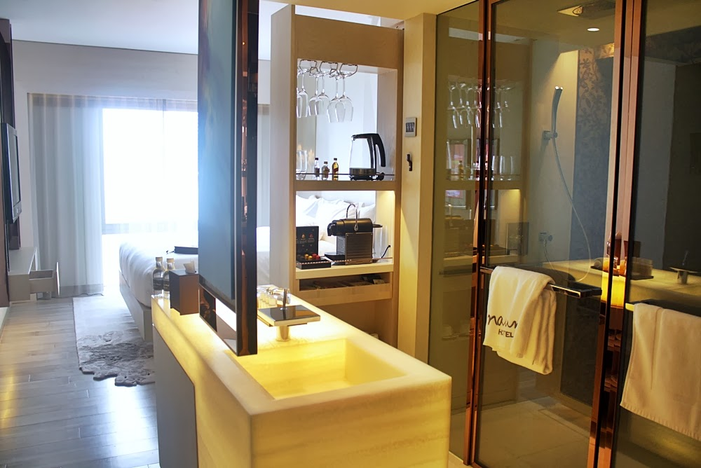 NAUMI LUXURY BOUTIQUE HOTEL SINGAPORE, HOTEL REVIEW ON DELUXSHIONIST TRAVEL