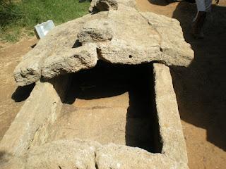 tombe di necropoli etrusche, riassunto per la scuola