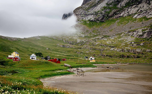 13 Nature Mountains, Landscape, Lake, Valley, Sky Wallpaper HD 4K 5K Desktop