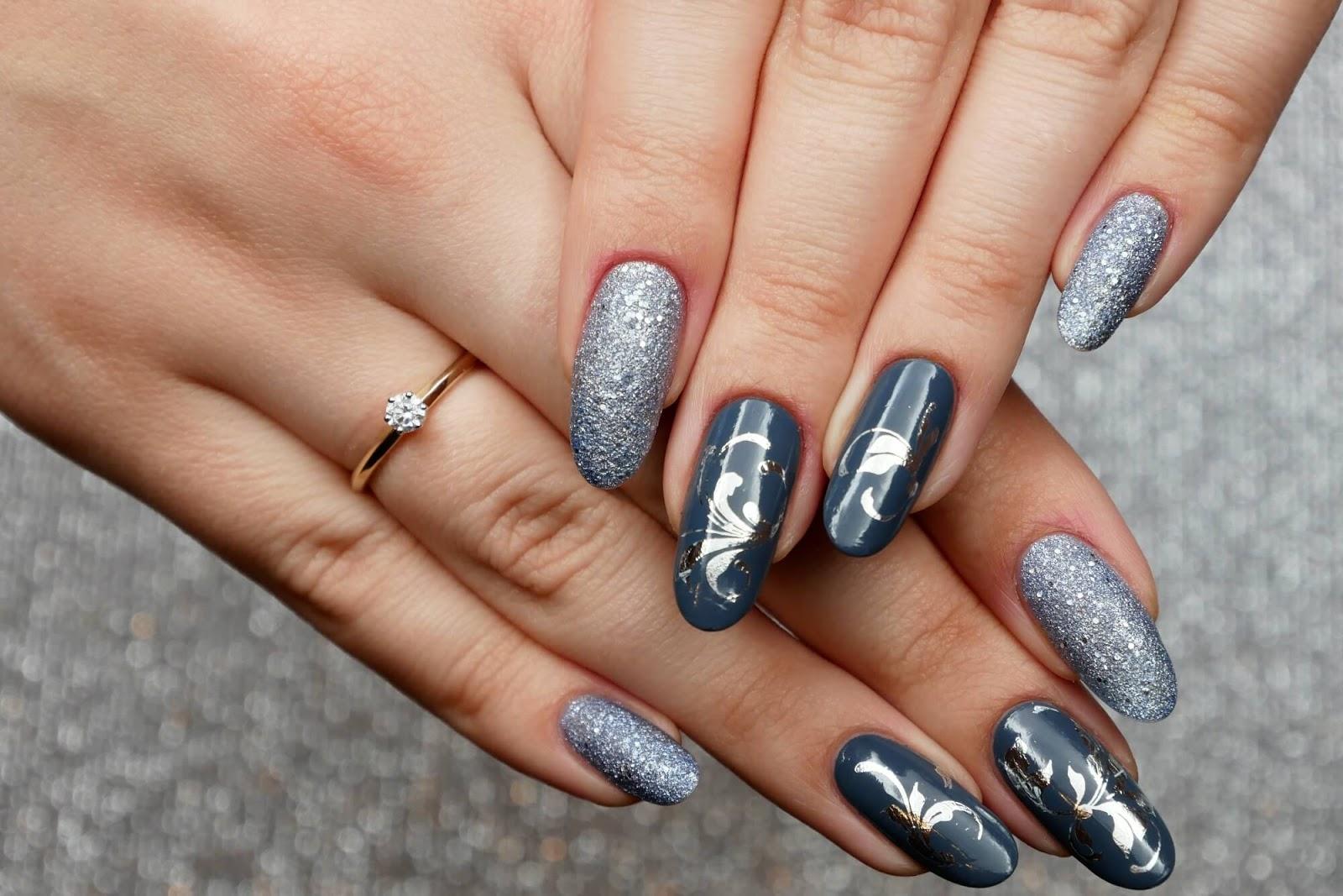 zaręczynowe paznokcie