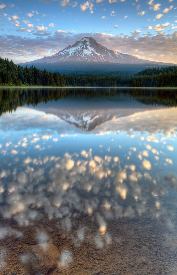 Trillium Lake, Mount Hood, Oregon, USA