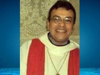 Assassinato de padre foi premeditado para roubo do cofre da igreja, diz delegado