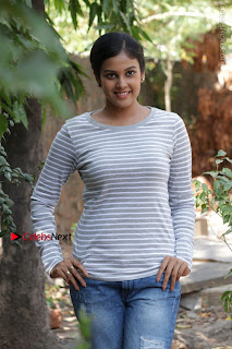 Tamil Actress Chandini Tamilarasan Latest Pos in Ripped Jeansat Ennodu Vilayadu Press Meet  0027.jpg