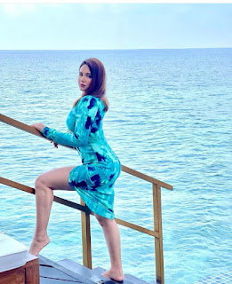 Mandy takhar vacation times in maldives 2021