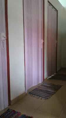 Homestay di Bandar Hilir Melaka, Homestay Murah di Bandar Melaka, Homestay Muslim murah bersih selesa di Melaka, pintu sorong tarik