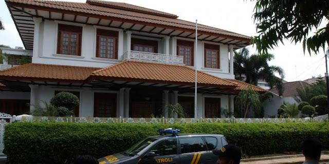 Inilah Penampakan Megah Dan Mewahnya Rumah Samadikun Hartono. Buronan Yang Merugikan Negara Rp 164 miliar.